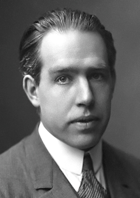 Niels Bohr, uno de los hombres fundamentales en la mecánica cuántica.
