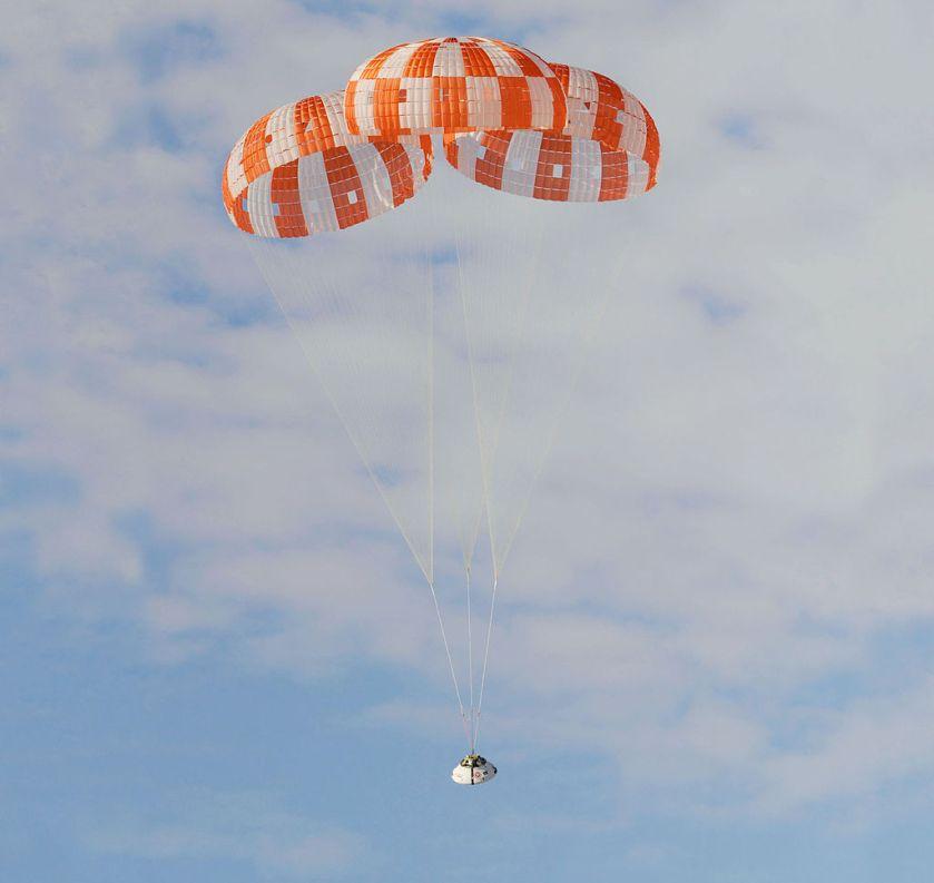 Test del paracaídas del CM en 2012