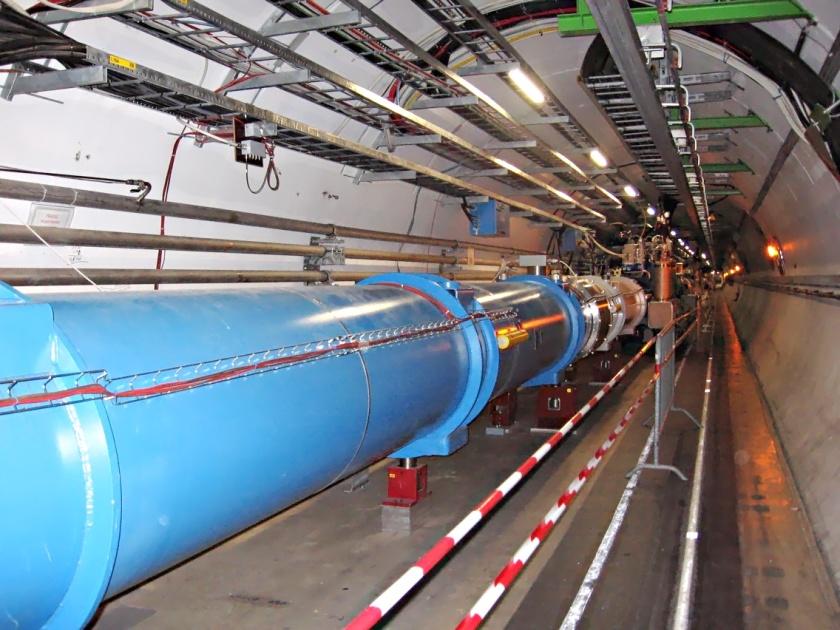 Una sección del túnel del LHC en el CERN.