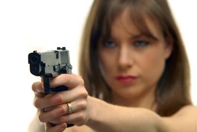 mujer_pistola