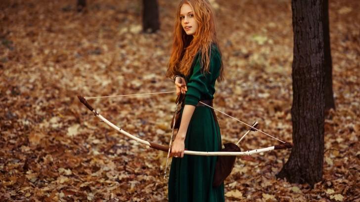 redhead-girl-archer_249514593