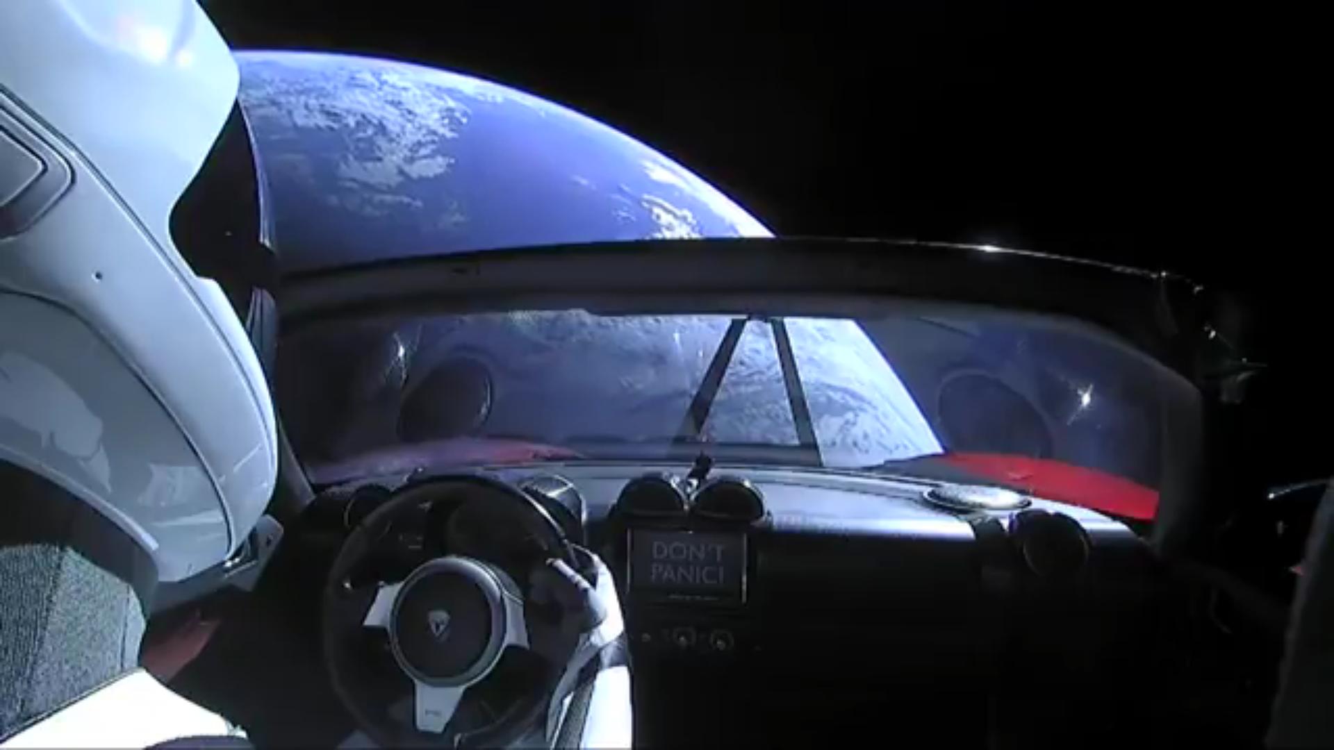 SpaceX-Flacon-Heavy-Starman-Tesla-Roadster-2