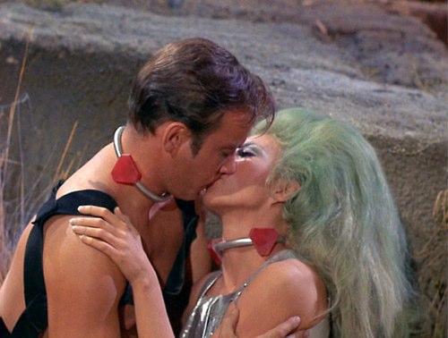 Captain_Kirk_Kiss