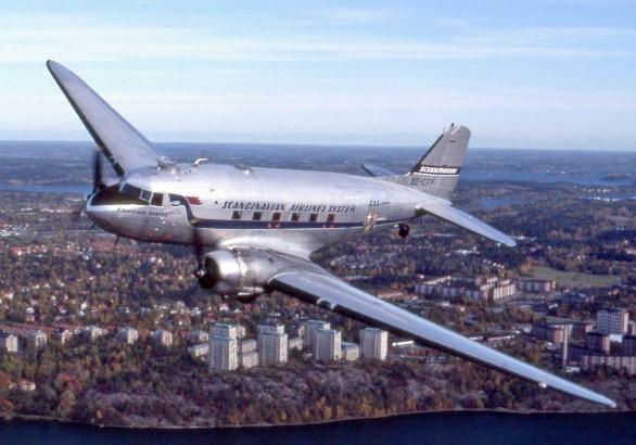 Douglas_DC-3,_SE-CFP