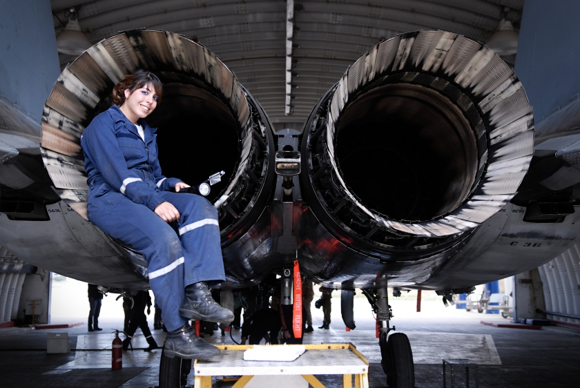 women_in_aviation